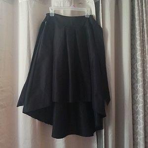 Adorable highlow knee length skirt